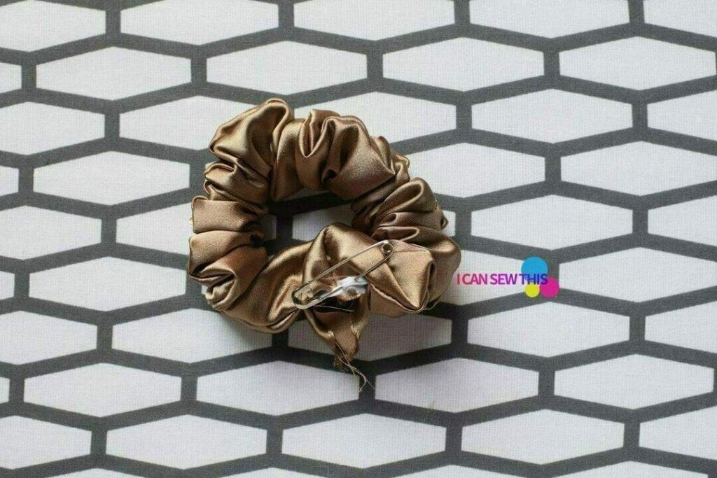 DIY scrunchie