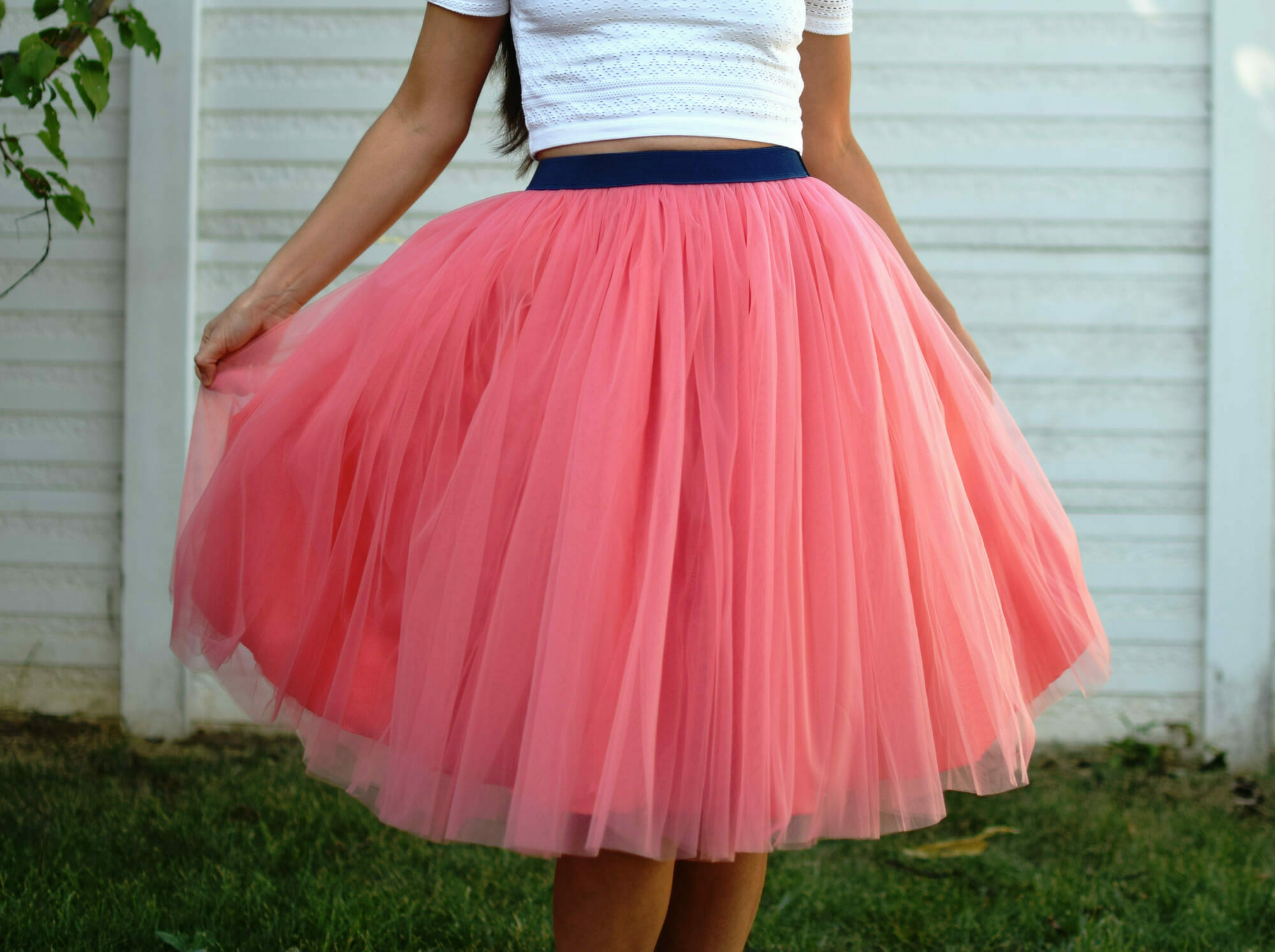 diy pink tulle skirt, elastic waistband, crop top