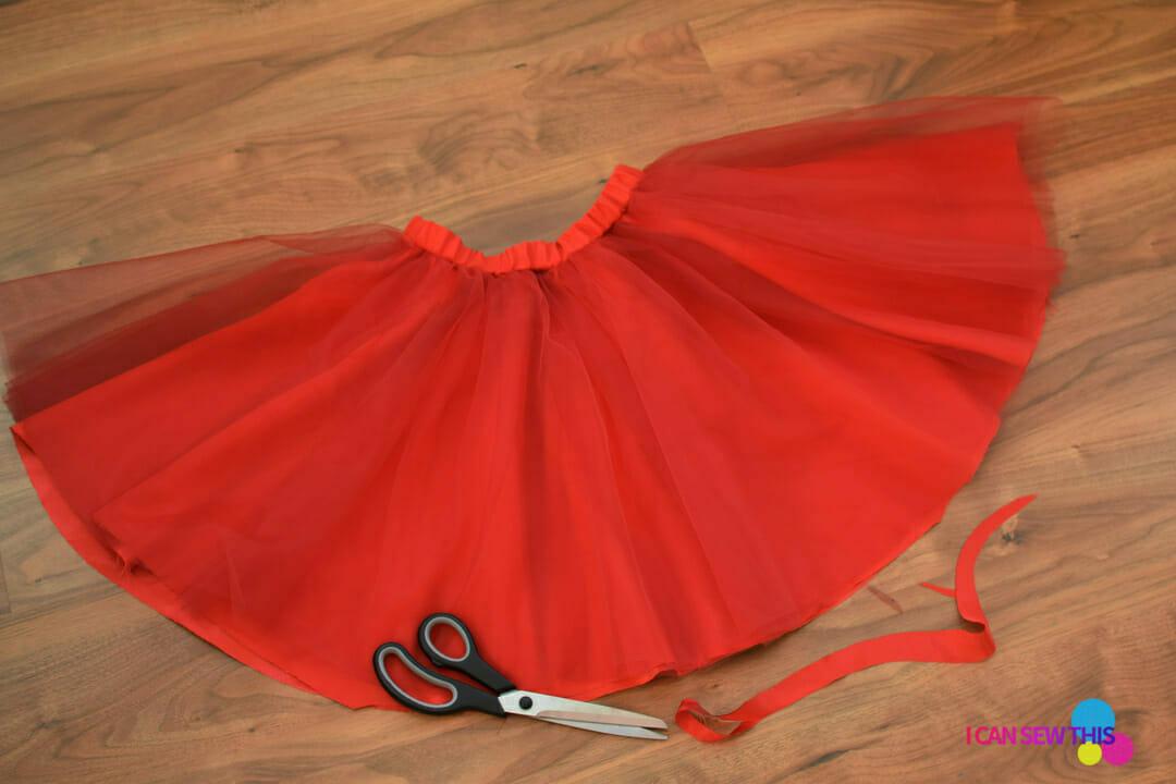 DIY Christmas tulle skirt
