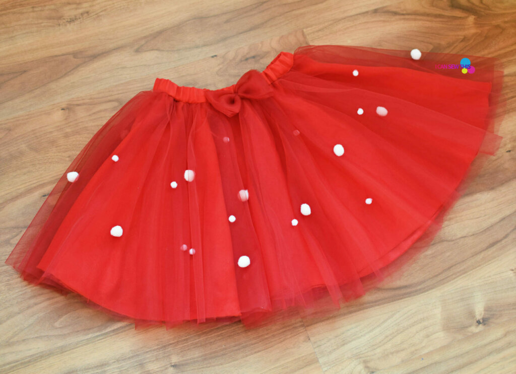 DIY Christmas tulle circle skirt