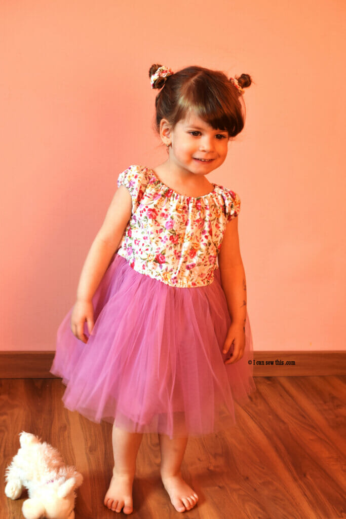 casual princess dress for little girls (+free pattern)