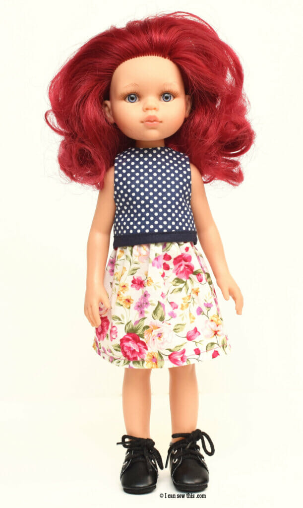 Free pattern for 12-inch Paola Reina doll clothes