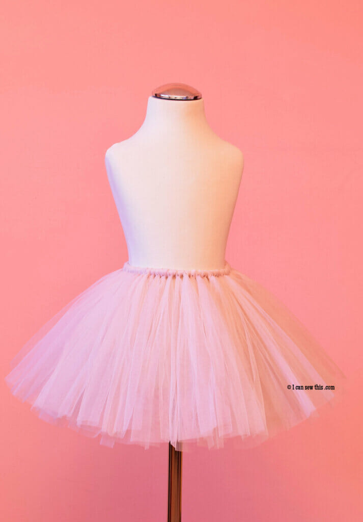DIY fluffy tutu skirt for girls tutorial