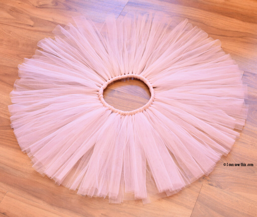 DIY fluffy tutu skirt for girls