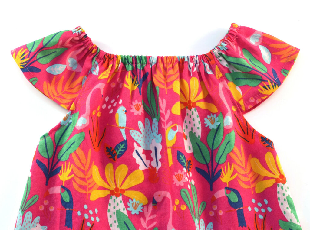 Flutter sleeve peasant top for little girls (+free pattern)