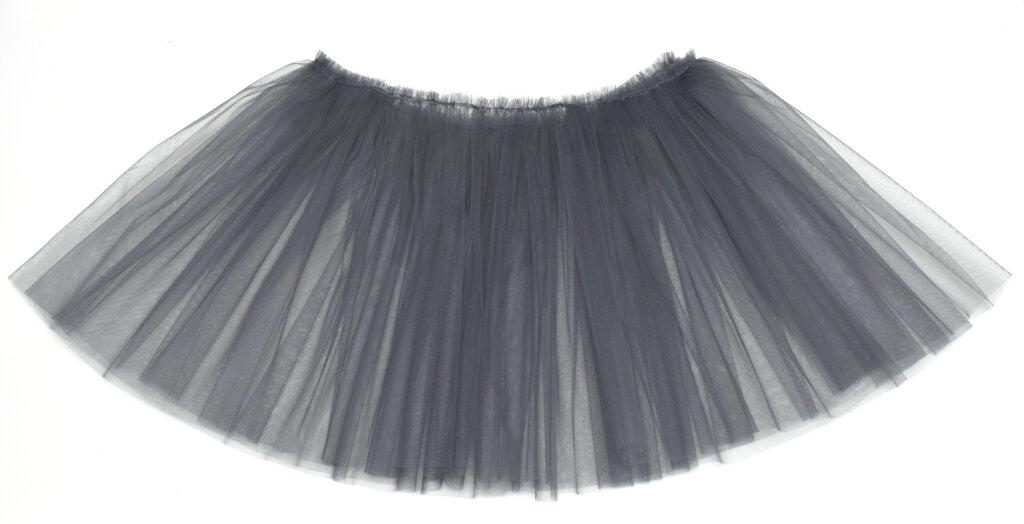 DIY grey tulle skirt