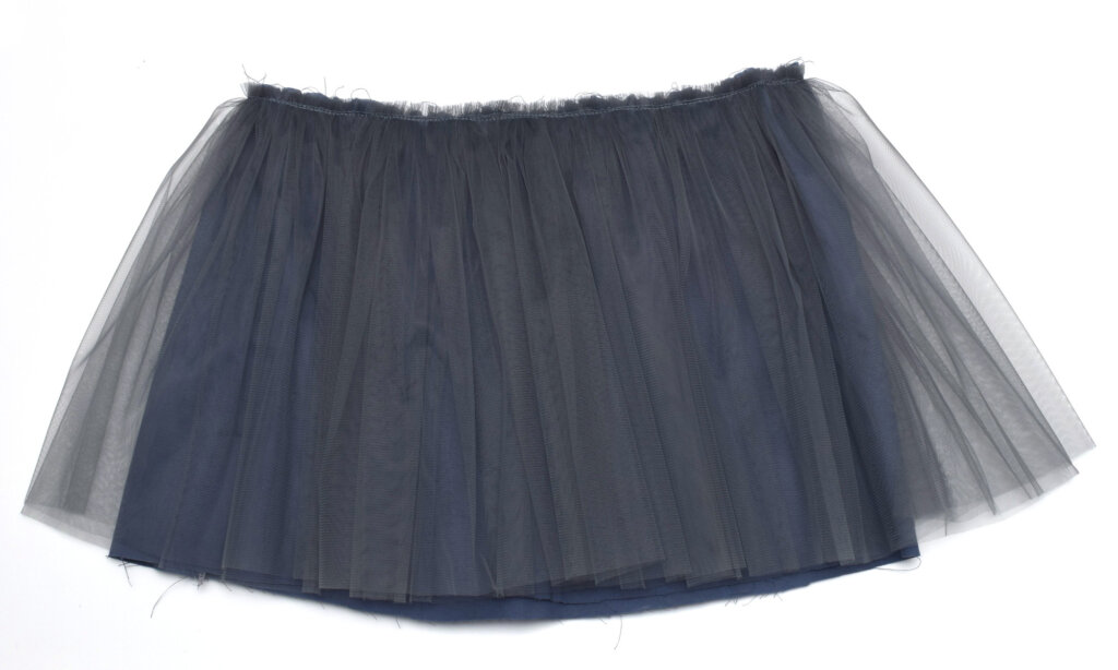 DIY grey tulle skirt tutorial