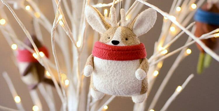 Free Christmas plush sewing pattern