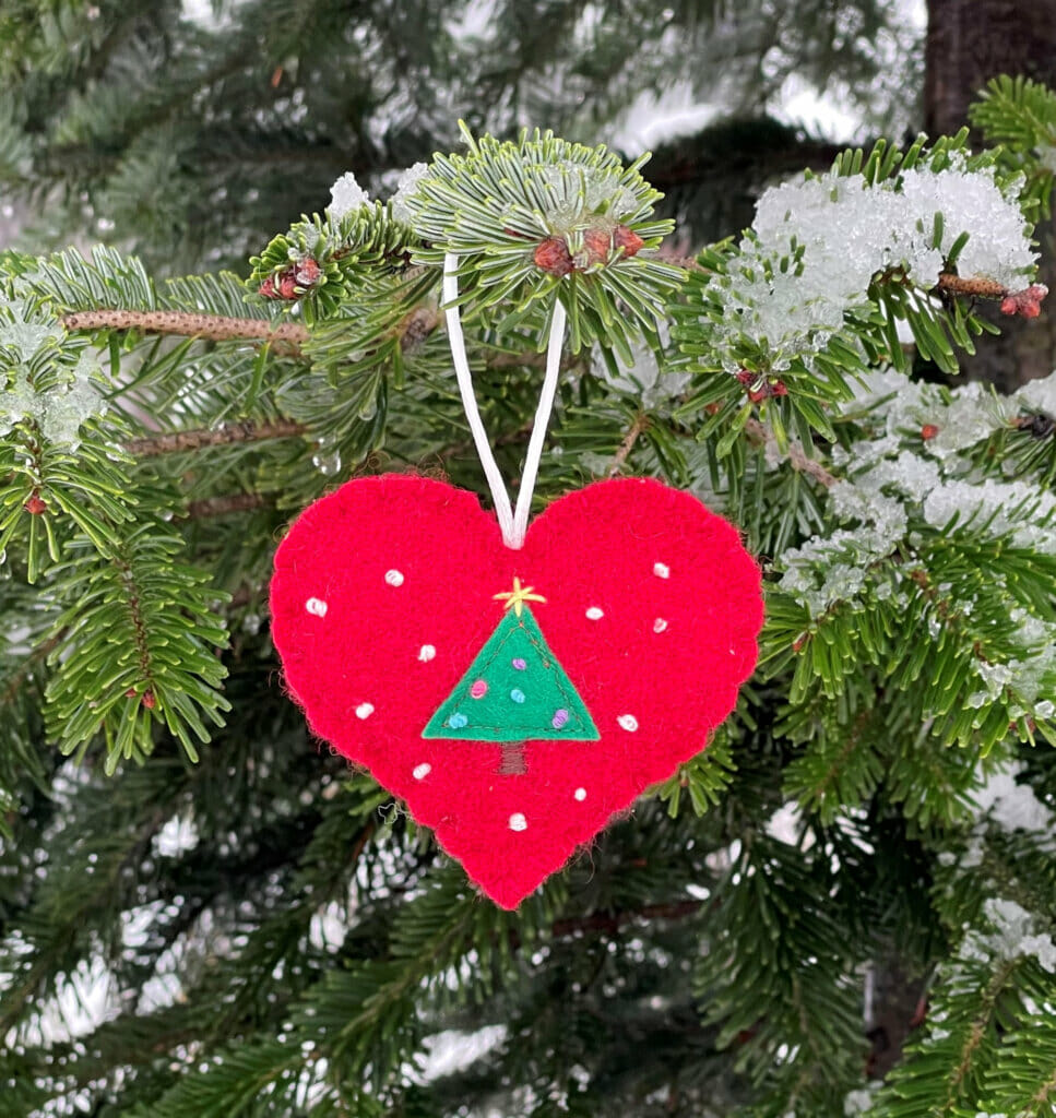 DIY Christmas ornament heart shaped