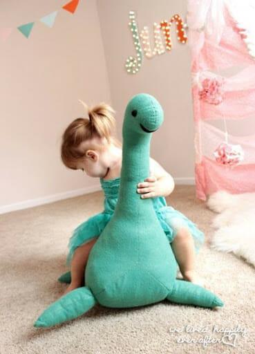 DIY Loch Ness monster tutorial