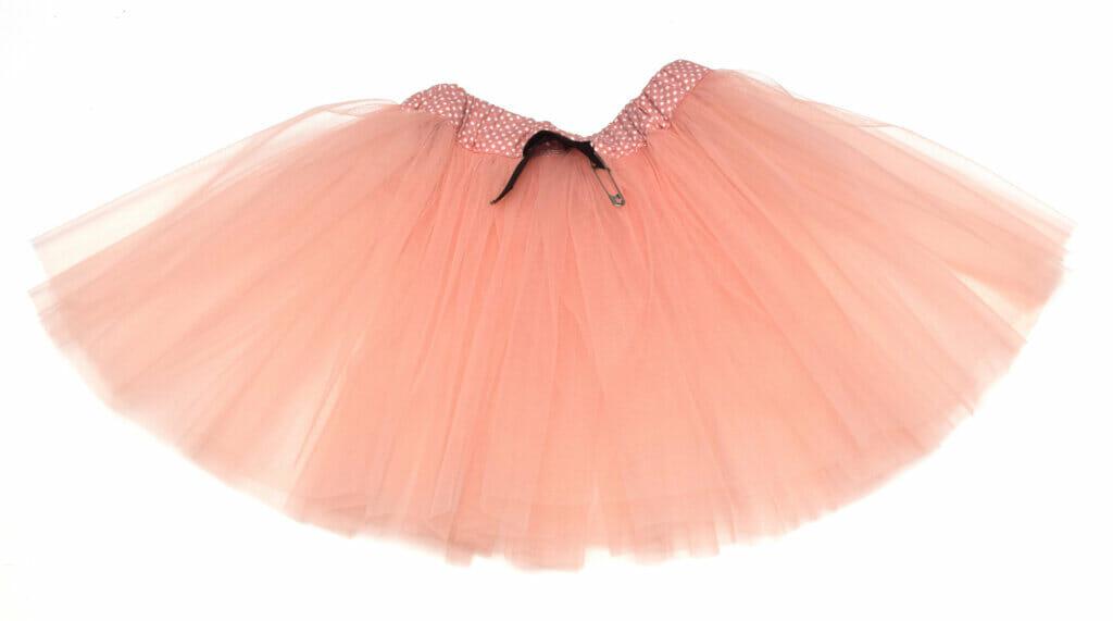 insert the elastic, tulle skirt