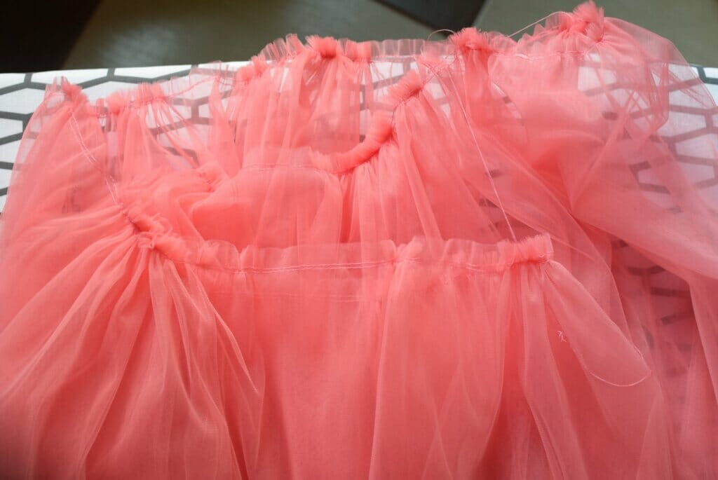 how to gather tulle fabric