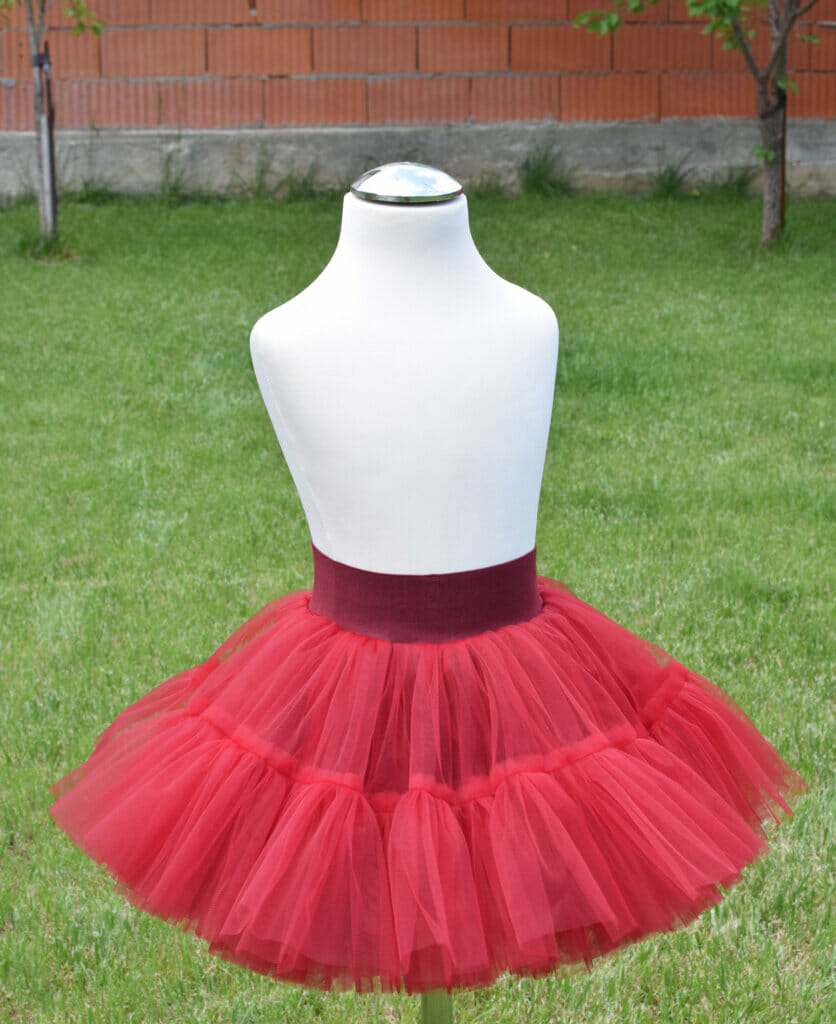 fluffy tiered tulle skirt DIY sewing
