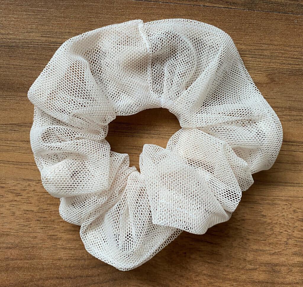 DIY mesh tulle scrunchie