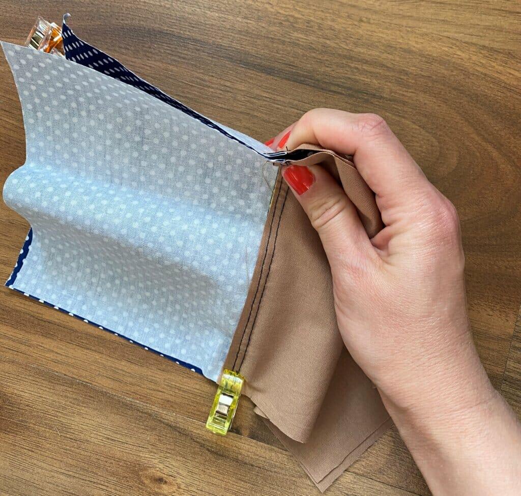 match zipper pouch seams