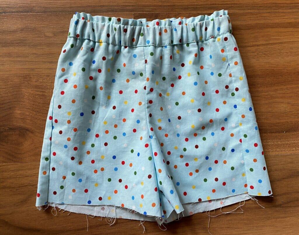 DIY sewing kids shorts