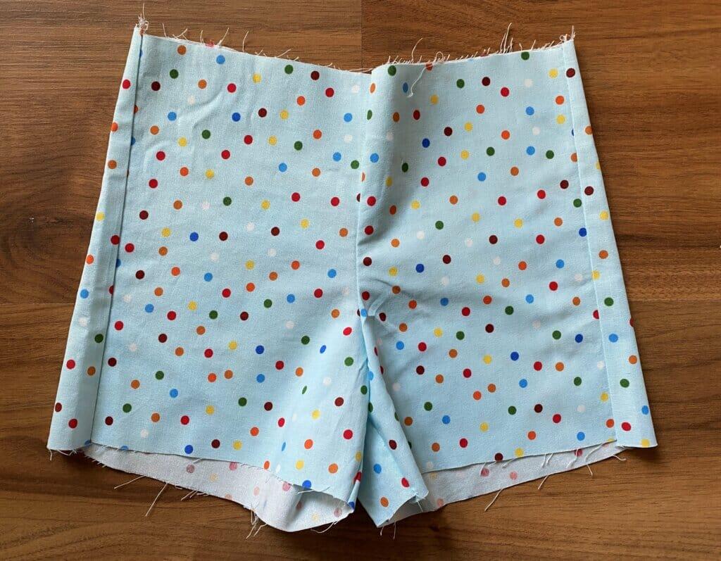 kids shorts tutorial (free pattern)